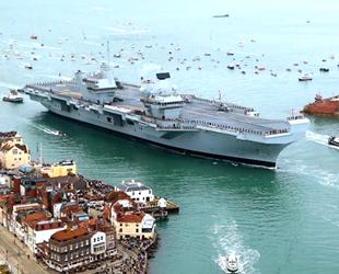 HMS Queen Elizabeth savaş gemisinde sızıntı tespit edildi