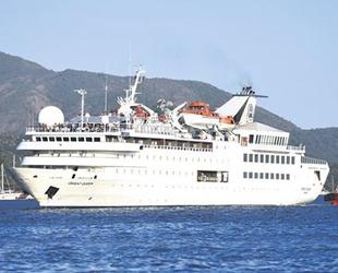 Orient Queen isimli kruvaziyer, Marmaris'e geldi