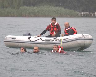 Sapanca Gölü'nde su üstü kurtarma tatbikatı yapıldı