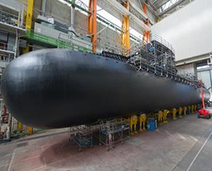 Fransa, yeni nükleer denizaltısının açılışını yaptı