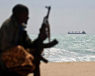 Gemilere karşı silahlı soygun ve korsanlık girişimlerinde düşüş yaşandı