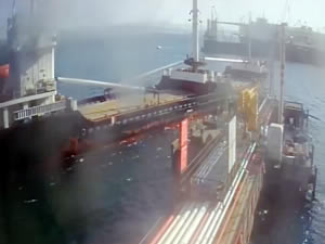 Kılavuz kaptan olduğu halde M/V IVANKA, manevra yaparken TOTAL İskelesine bindirdi