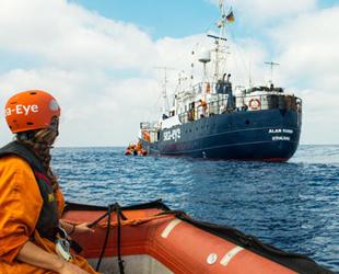 Malta, göçmenleri taşıyan geminin limana girişine izin verdi