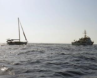 Denizde motoru arızalanan Karya-O isimli tekne, Marmaris Limanı'na çekildi