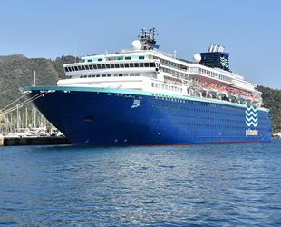 'Horizon' isimli yolcu gemisi Marmaris'e geldi