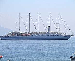 'Club Med 2' isimli yolcu gemisi, Alanya'ya demir attı