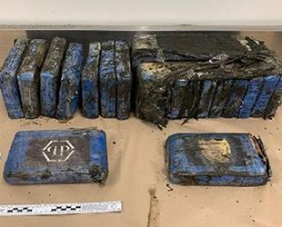 Yeni Zelanda'da uyuşturucu paketleri kıyıya vurdu
