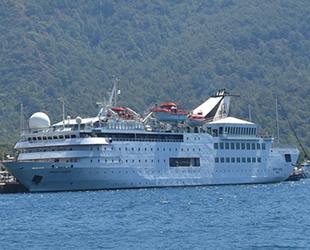 Orient Queen isimli yolcu gemisi, Marmaris'e geldi