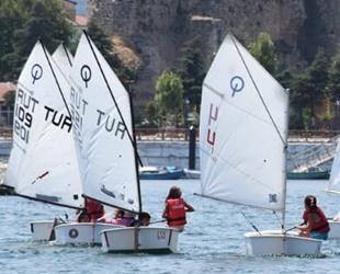 Eğirdir Gölü'nde ücretsiz yelken kursu eğitimi veriliyor