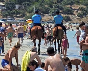 Atlı Jandarma ekibi, Çeşme plajlarında göreve başladı