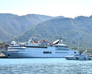 'Orient Queen' isimli yolcu gemisi, Marmaris'e geldi