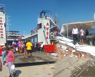 'Adalar 1' isimli feribot iskeleye çarptı: 7 yaralı...