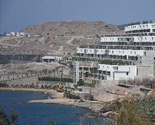 Kıyı kesimlerinde 12 konut ve otel projesi durduruldu