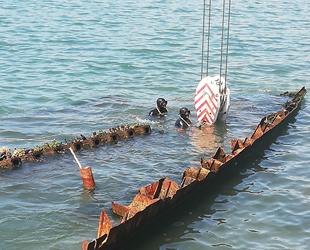 'Ahsen' isimli batık gemiyi denizden çıkarma çalışmaları başladı