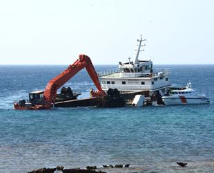 Ayana Koyu'nda karaya oturan 'Kanuni D.S.' isimli gemi için çalışmalar başladı