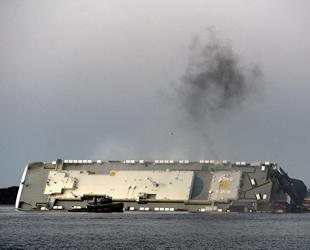 ABD'de 'GOLDEN RAY' isimli kargo gemisi battı: 4 kayıp...