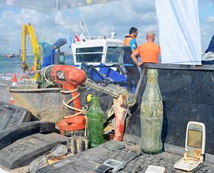 Dünya Temizlik Günü'nde Kadıköy İskelesi'nde su altı temizliği yapıldı