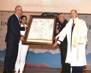 Piri Reis Üniversitesi'nin yeni akademik yılı düzenlenen törenle başladı