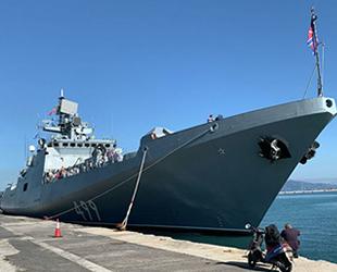Amiral Makarov isimli Rus savaş gemisi, Yunanistan'ı ziyaret etti
