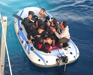 Bodrum'da lastik botla kaçmaya çalışan 18 göçmen yakalandı