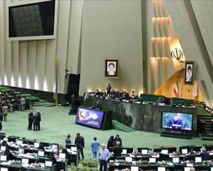 İran Meclisi'ne 'Hazar Denizi Suyu' protestosu damga vurdu