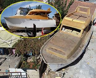 Antalyalı mobilya ustası, lüks tekneyi atölyesinde inşa ediyor