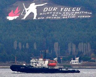 'Shakhter' isimli Rus arama kurtarma römorkörü Çanakkale Boğazı'ndan geçti
