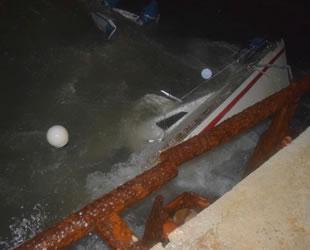 Yunanistan'da tekne battı: 1 ölü, 1 kayıp