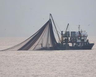 Zonguldak'ta aradığını bulamayan balıkçılar, Hopa'ya yöneldi
