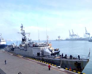 'Commandant Birot' isimli savaş gemisi, Odesa Limanı'na demir attı