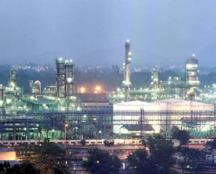Kuveyt, Aramco'ya 1 milyar dolarlık yatırım yapacak