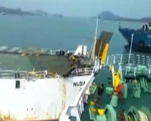 Sunda Boğazı'nda üç feribot çatıştı