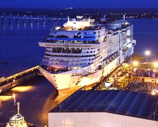 MSC Cruises'in MSC Virtuosa gemisi su ile buluştu