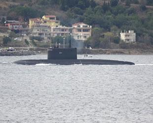 'Novorossiysk' isimli Rus denizaltısı, Çanakkale Boğazı'ndan geçti