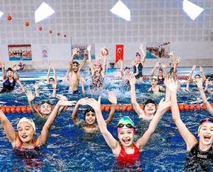 Denizli'de 2019 yılında 50 bin kişi yüzme öğrendi