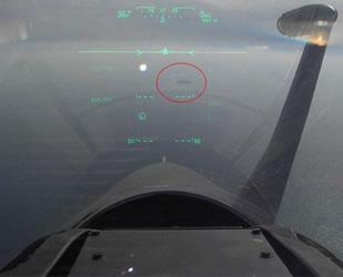 Yunan pilot, Türk savaş gemisine kilitlendi