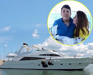Mehmet Aydın'ın 'Silam' isimli lüks yatı 243 bin dolara satıldı
