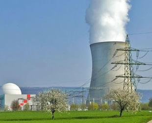 Japonya'da Oi Nükleer Santrali'nin iki reaktörünün tasfiyesine onay verildi