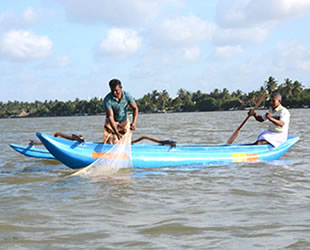 Sadakataşı Derneği, Sri Lanka'da 30 adet balıkçı teknesi dağıttı