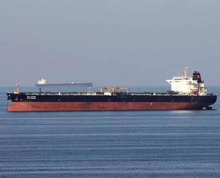 İran, Basra Körfezi'ndeki koalisyon güçlerine 'gemi' resti çekti