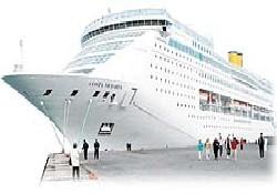 Costa'nın gemileri İzmir'i canlandırdı