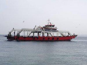 Çanakkale Boğazı'nda balıkçı teknesi feribotla çatıştı