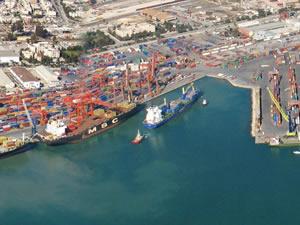 """""""Mersin, kendi konteyner limanını yapabilir"""""""