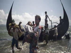 Malezya'ya geçmeye çalışan 14 Arakanlı denizde boğuldu