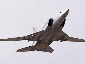 Rus Tu-22M3'ün Karadeniz üzerinde uçuşu görüntülendi