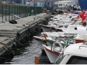 Teknede yaşayan balıkçı denize düşerek hayatını kaybetti