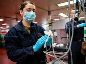 Trump, hastane gemisini Kaliforniya'ya gönderdi