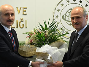 Ulaştırma ve Altyapı Bakanlığı'nda devir teslim töreni gerçekleşti