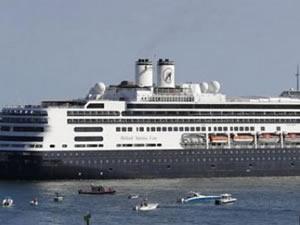 Alman cruise gemisiyle kasıtlı çatışan Venezuela donanmasına ait gemi battı