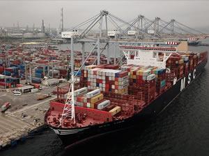 DP World Yarımca Limanı dev konteyner gemisini ağırladı